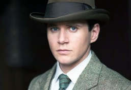 Tom Branson (Allen Leech), the handsome Irish chauffeur turned nobleman who stole my heart the first time he stepped on the scene. And I officially ship...